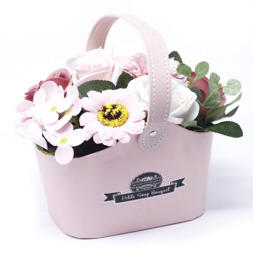 Cos flori roz din sapun